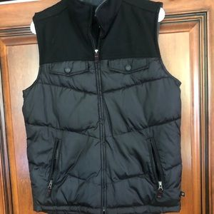 Gap black cold control vest